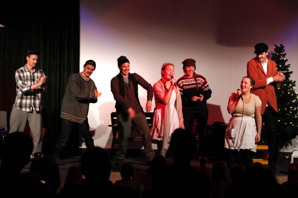 Desember - skuespill på Julemessa